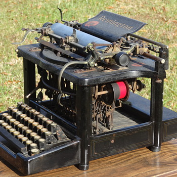 1904 Remington No. 6 Typewriter - Office