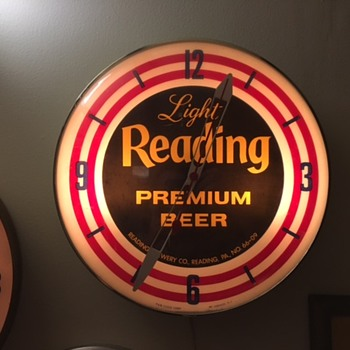 Light Reading Premium Beer Clock - Breweriana