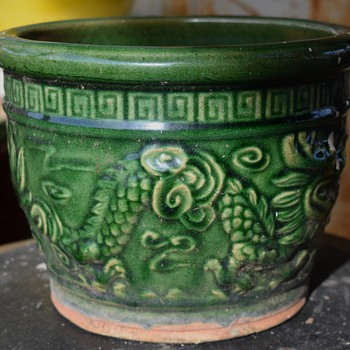 Old Chinese flower pot with molded dragons - Asian