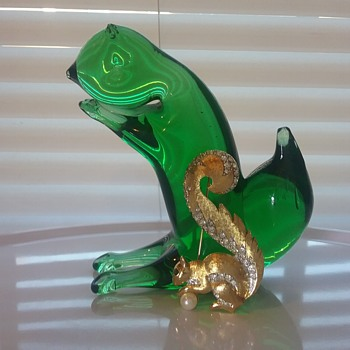 Boucher squirrel brooch,  Kanawha Glass squirrel  - Art Glass