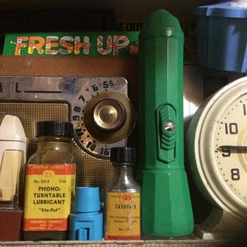 Phonograph lubricant ,,Sta Put