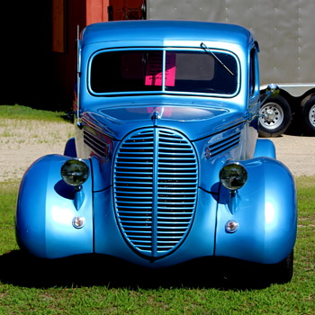Old Iron....yes sir  - Classic Cars