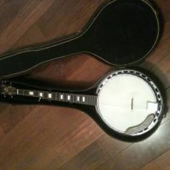 Vintage 5 string Banjo - Guitars