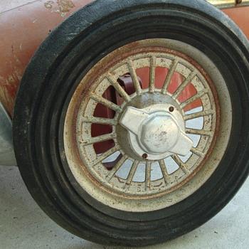 Ferrari pedal car - Model Cars