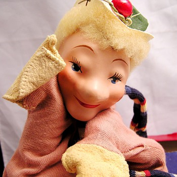 Composite Head Madame Alexander Hand Puppets Ruby and Punch - Toys