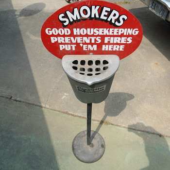Old ashtray stand - Tobacciana