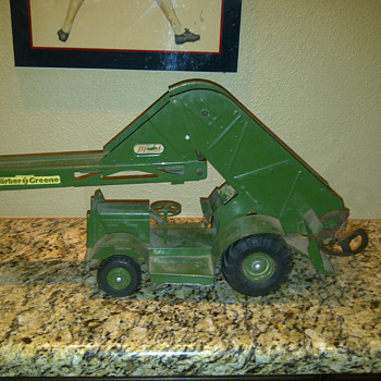 Wm. Doepke Barber & Greene Bucket Loader - Model Cars
