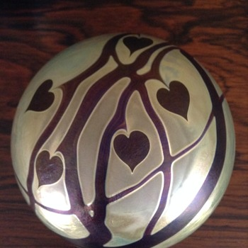 Zweifel Glass Heart Vine Paper Weight - Art Glass