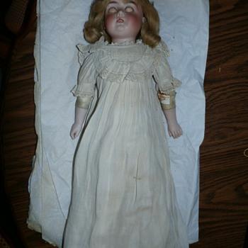 MOM'S OLD CHINA DOLL - Dolls