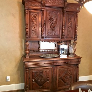 Hunt cabinet? - Furniture