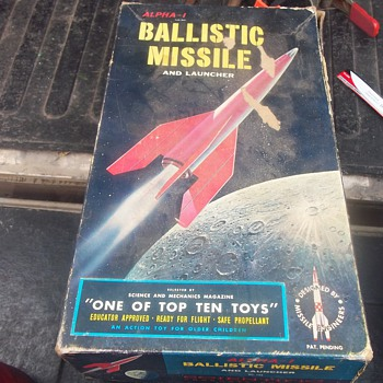 1958 BALLISTIC MISSILE KIT - Toys