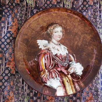 Antique Pottery Plate With Portrait Of Lady/Queen - Fine Art