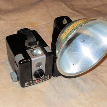 Kodak Brownie Hawkeye Camera Flash Model 1950s - Cameras