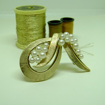 Trifari Pearl Ribbon - Costume Jewelry