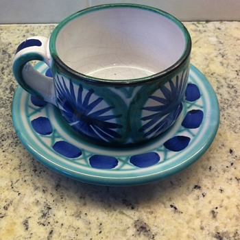 Tea cup pottery from France. - Pottery