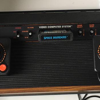 Atari 2600 Video computer system. - Electronics