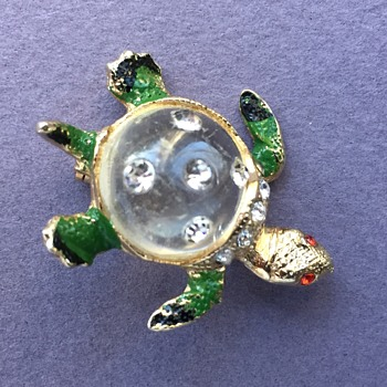 Tiny Jelly Belly Turutle Brooch iwth Enamel and Rhinestones - Possibly Coro - Costume Jewelry