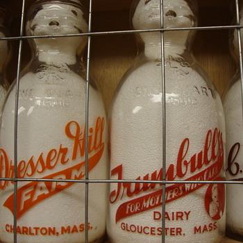 DRESSER HILL DAIRY & TRUMBULLS DAIRY BABY TOP MILK BOTTLES - Bottles