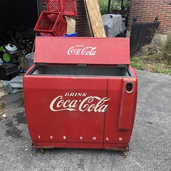 Bought this and need help Identifying  - Coca-Cola