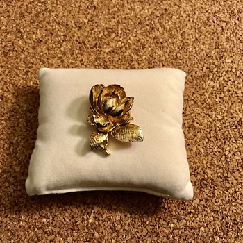 Rare Find Historic Women's Bowling League Badge Brooch - Costume Jewelry