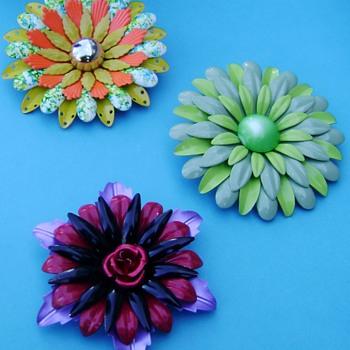 Flower Pins - Costume Jewelry