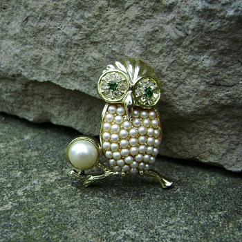 Sarah Coventry Brooch - Night Owl - Animals