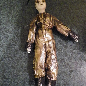 Can someone tell me what kind of doll this is?