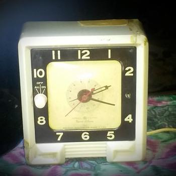 my General Electric alarm clock. - Clocks