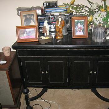 Black Cabinet  Phonograph