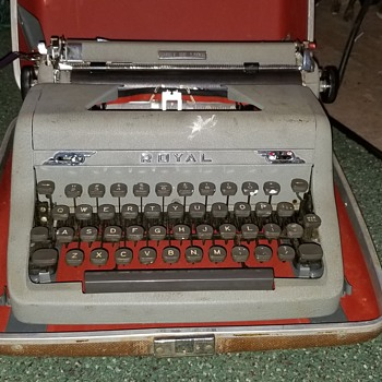 Vintage Royal typewriter  - Office