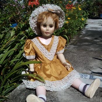 WALKING DOLL NAME UNKNOWN - Dolls