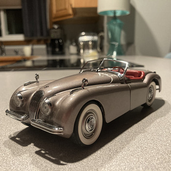 Danbury Mint 1949 Jaguar XK - 120 - Model Cars