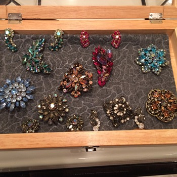 Instant Vintage Costume Jewelry Collection - Costume Jewelry