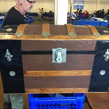 Antique Steamer trunk camel back  - Victorian Era