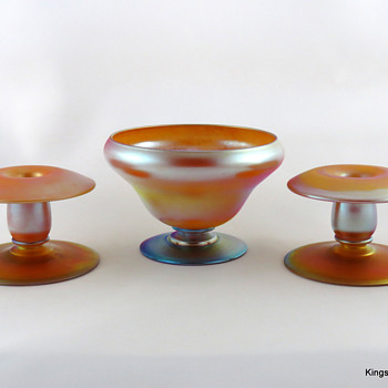 Durand Console Set in Golden Yellow, ca. 1925 - Art Glass
