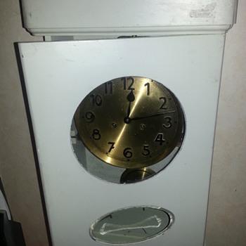 Rough old? Largo Gong wall clock with pendulum. - Clocks