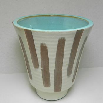 Mid-Century Modern Art Pottery Vase - Total Mystery - Pottery