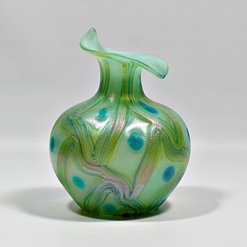 Kralik Swirls & Spots - Art Glass