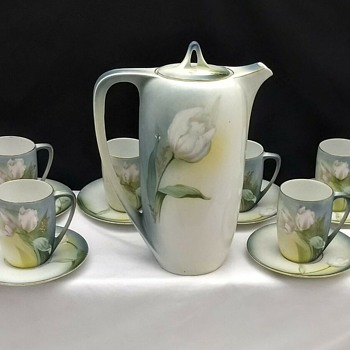 RS Germany Prussia WHITE TULIPS Chocolate or Tea pot 6 Cups& Saucers - China and Dinnerware