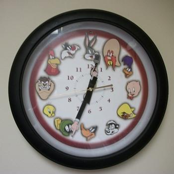 13 inch 1999 Westclox Looney Tunes  - Clocks
