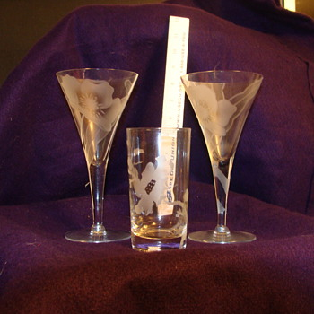 Dorothy THorpe stemware mystery - Glassware