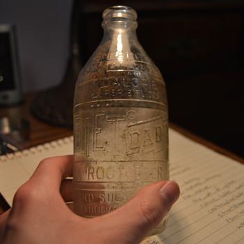 (1965) Diet Dad's Root Beer Bottle - Bottles