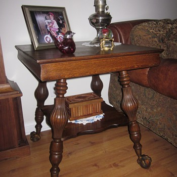 Large Ball and Claw Quarter Sawn Oak End Table - Furniture