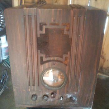 RCA Victor Model 129 Canada - Radios