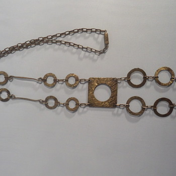 Two long modernist brass necklaces - Costume Jewelry