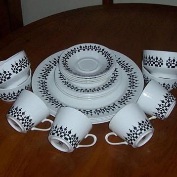 Ridgeway 'Minaret' Bone China Set - China and Dinnerware