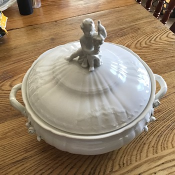 Porcelain covered dish - China and Dinnerware