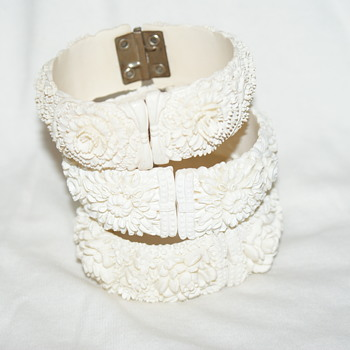 Vintage Cream-Coloured Celluloid Clamper Bracelet  # 3 - Costume Jewelry