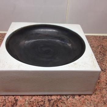 TROIKA POTTERY - Pottery