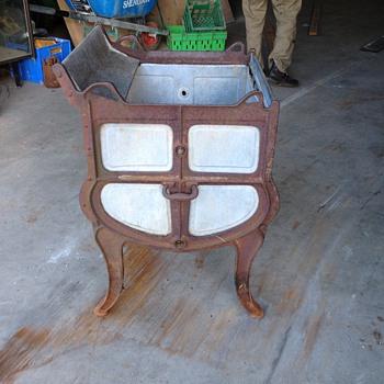 cast iron washig machine maybe - Kitchen